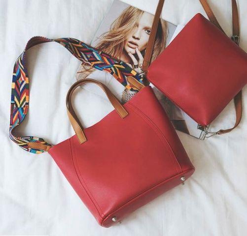 Женская сумка красная
