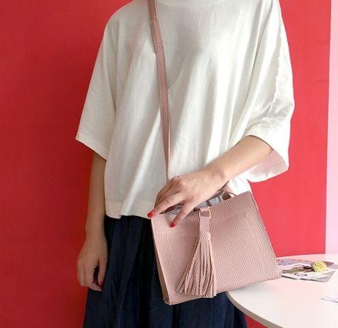 Маленькая женская сумка розовая