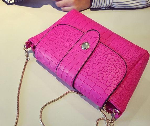 Женская сумка ярко-розовая