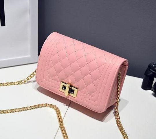 Женская сумка нежно-розовая