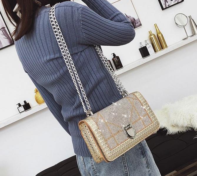 Женская блестящая сумка